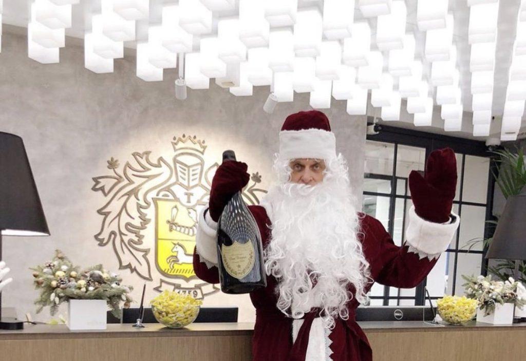 ренессанс кредит часы работы в новогодние праздники