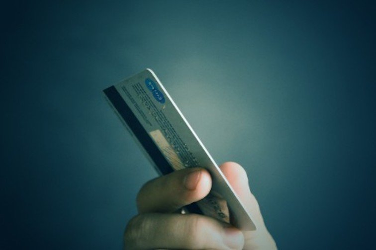 Снижение ставок по ипотеке, рекордная долговая нагрузка россиян и Сбербанк в СБП