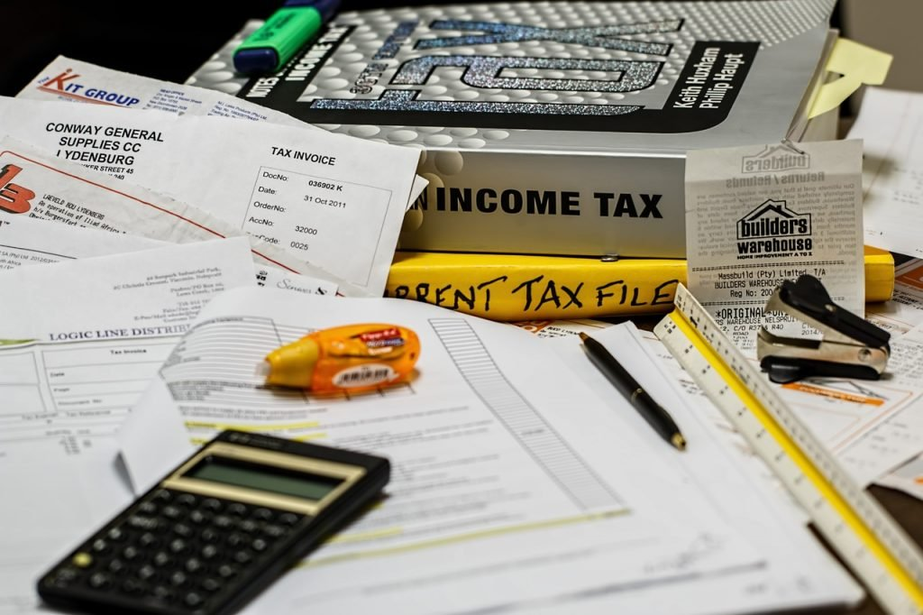 Ребрендинг Сбербанка, покупка Тинькофф Яндексом и как будет работать закон о «налоге для богатых»