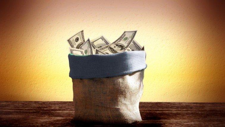 Новый глава Хоум Кредит, Тинькофф и private banking и почему ускоряется отток валюты из банков